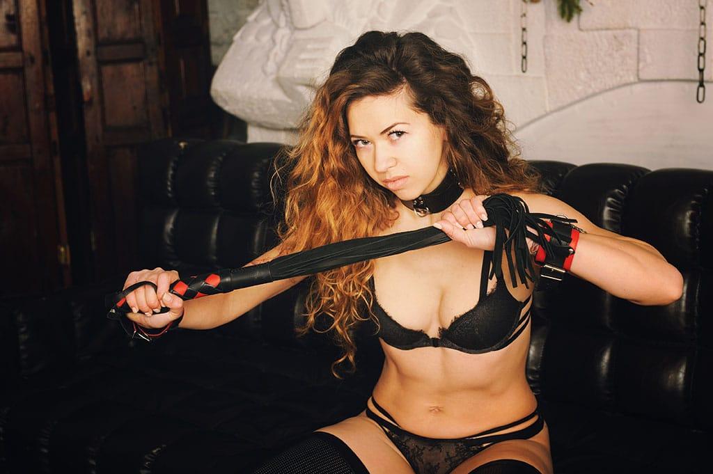 Es gibt auch viele Männer und Frauen die nach BDSM Dates im Internet suchen
